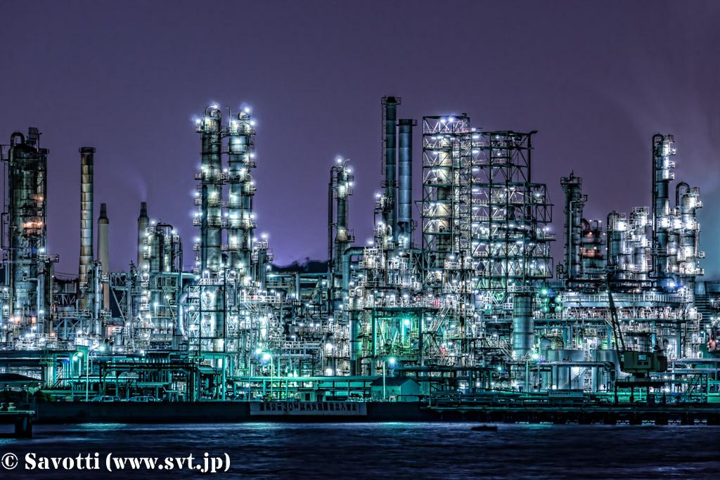 夜景 (神奈川県横浜市磯子区新磯子町 2014年10月11日撮影)